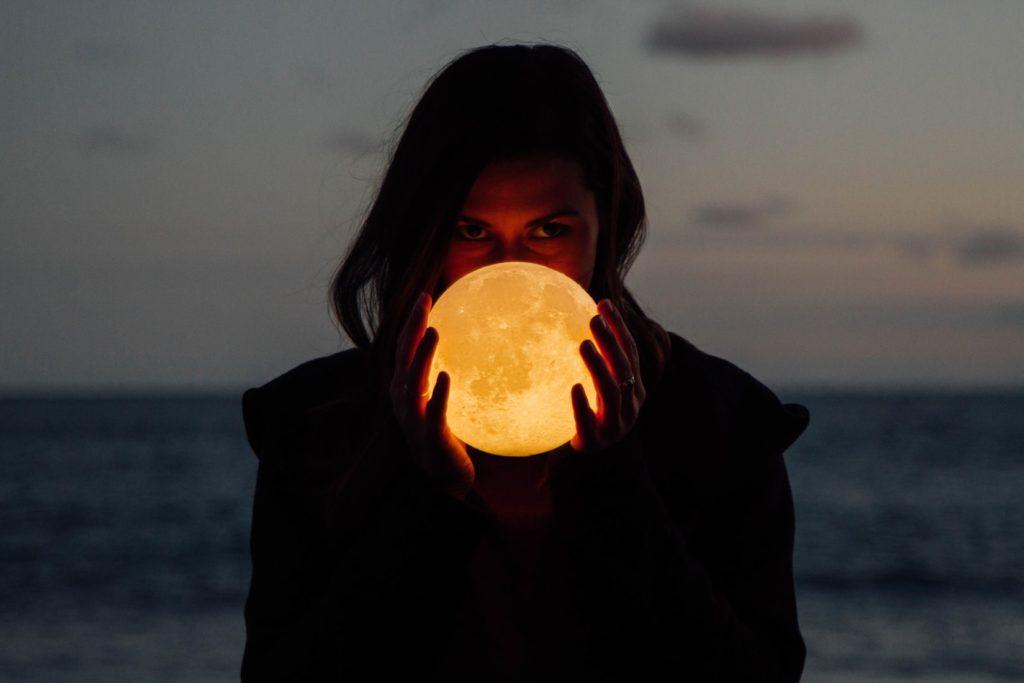 月の満ち欠け 新月の願い事 影響